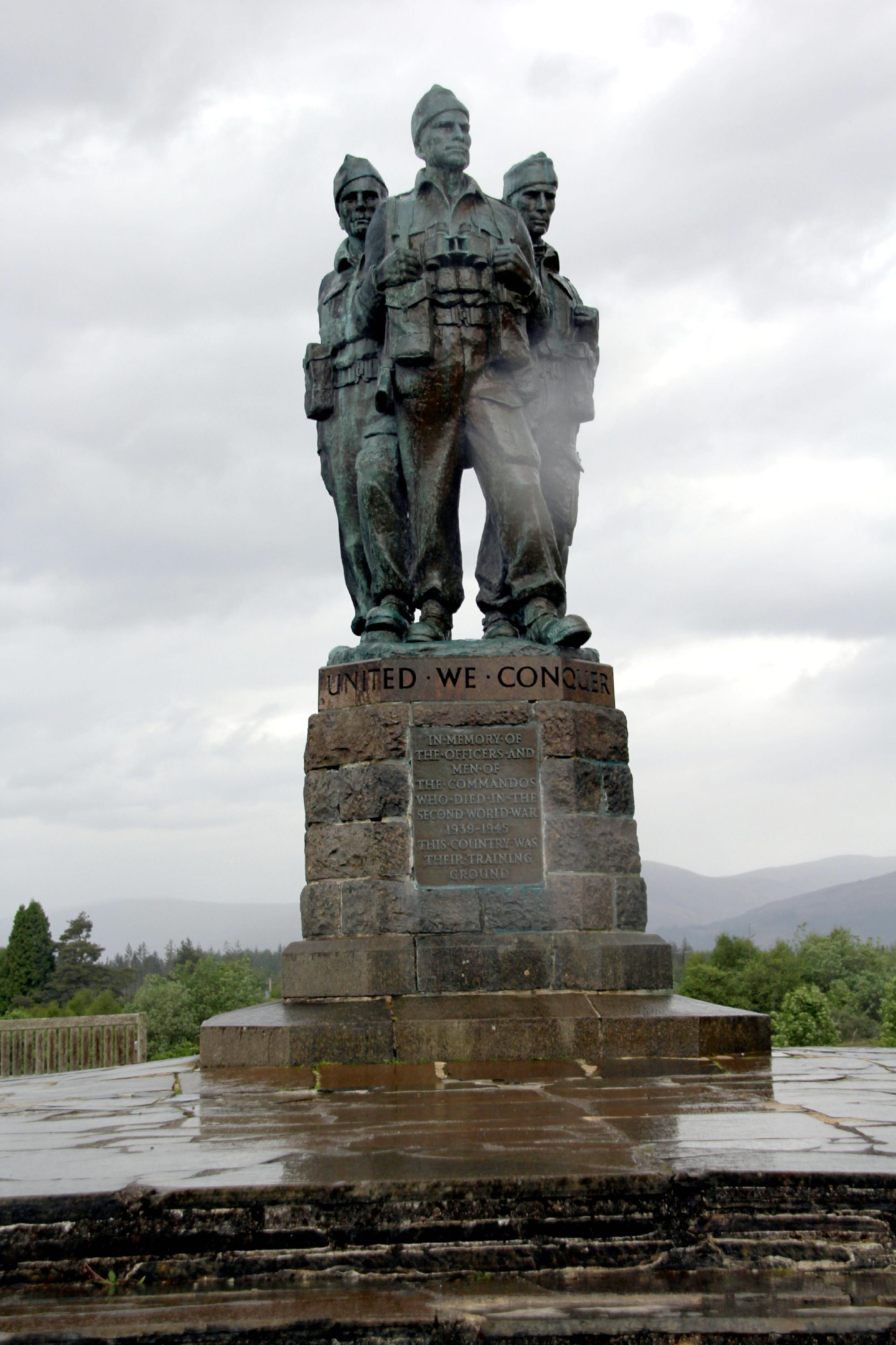 Commandoes commemorated
