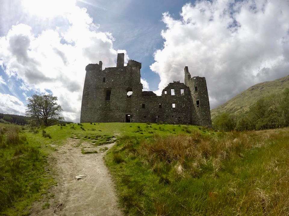 Kilchurn Castle - a SUNNY day!