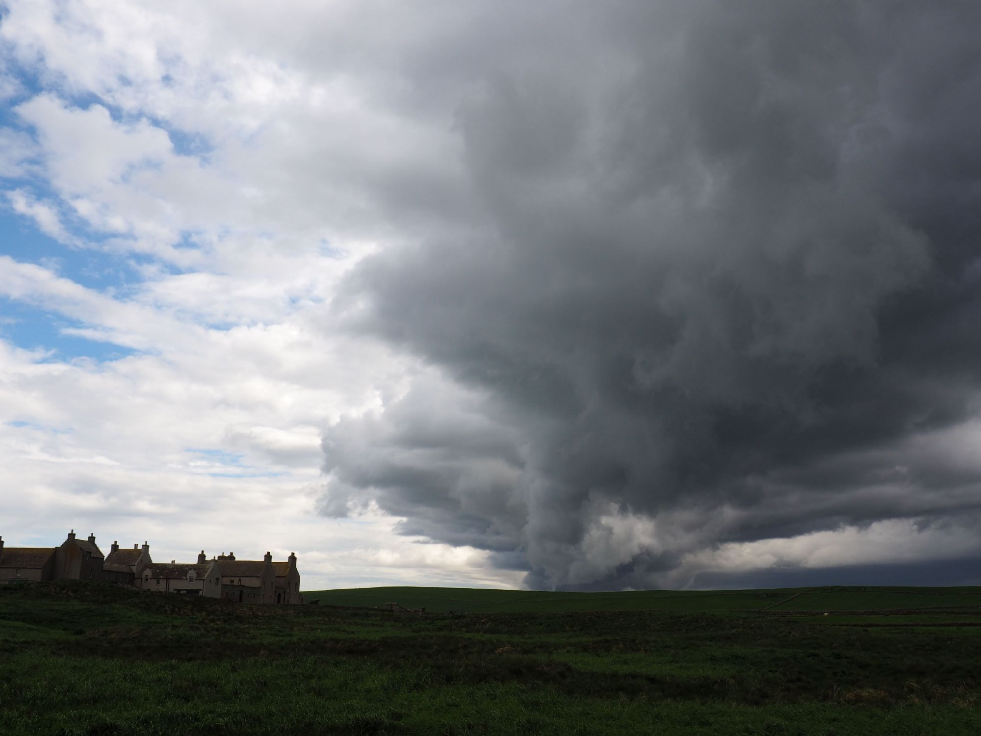 storm moving in, Skaill House