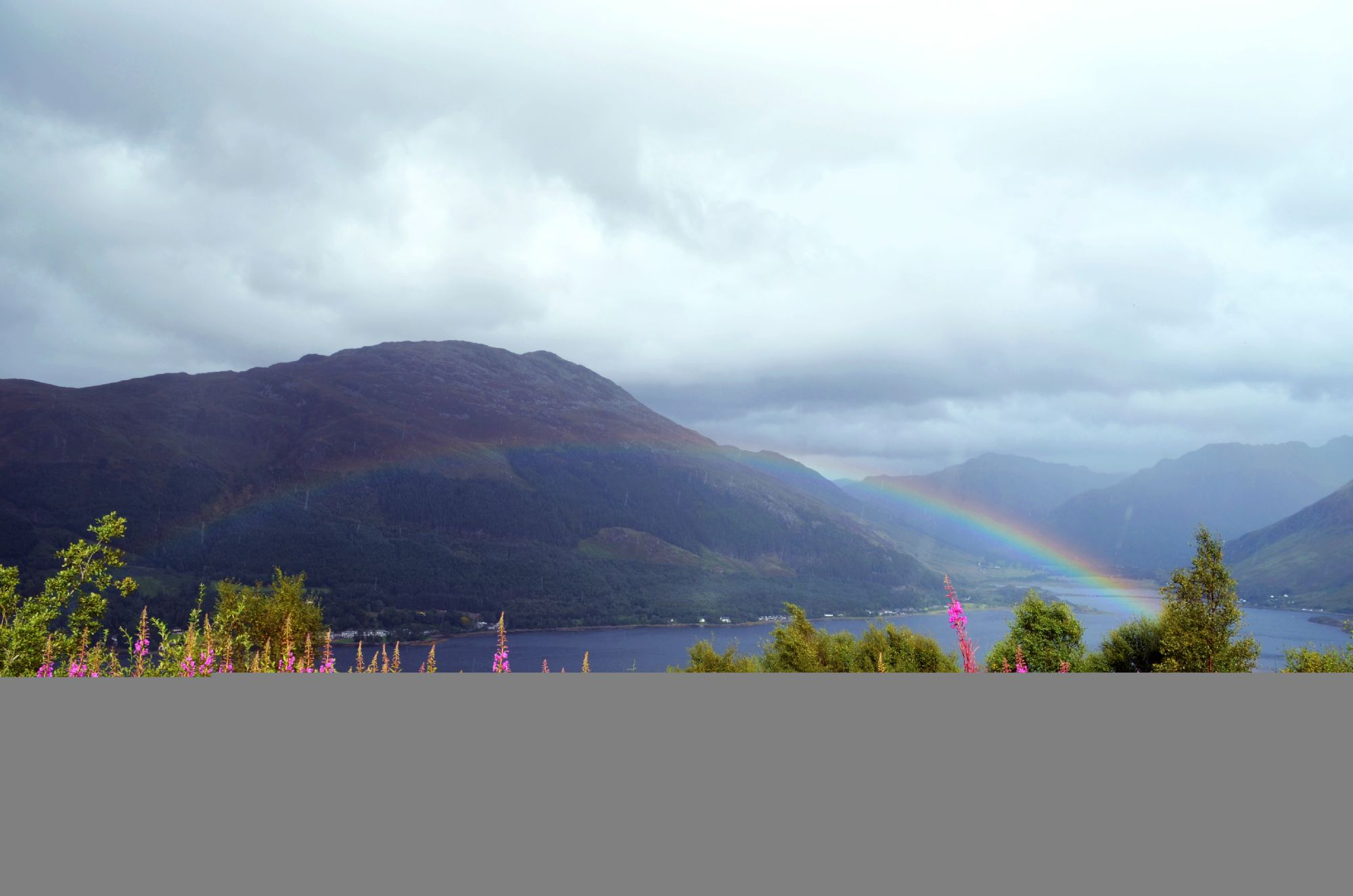 A rainbow for the five sisters