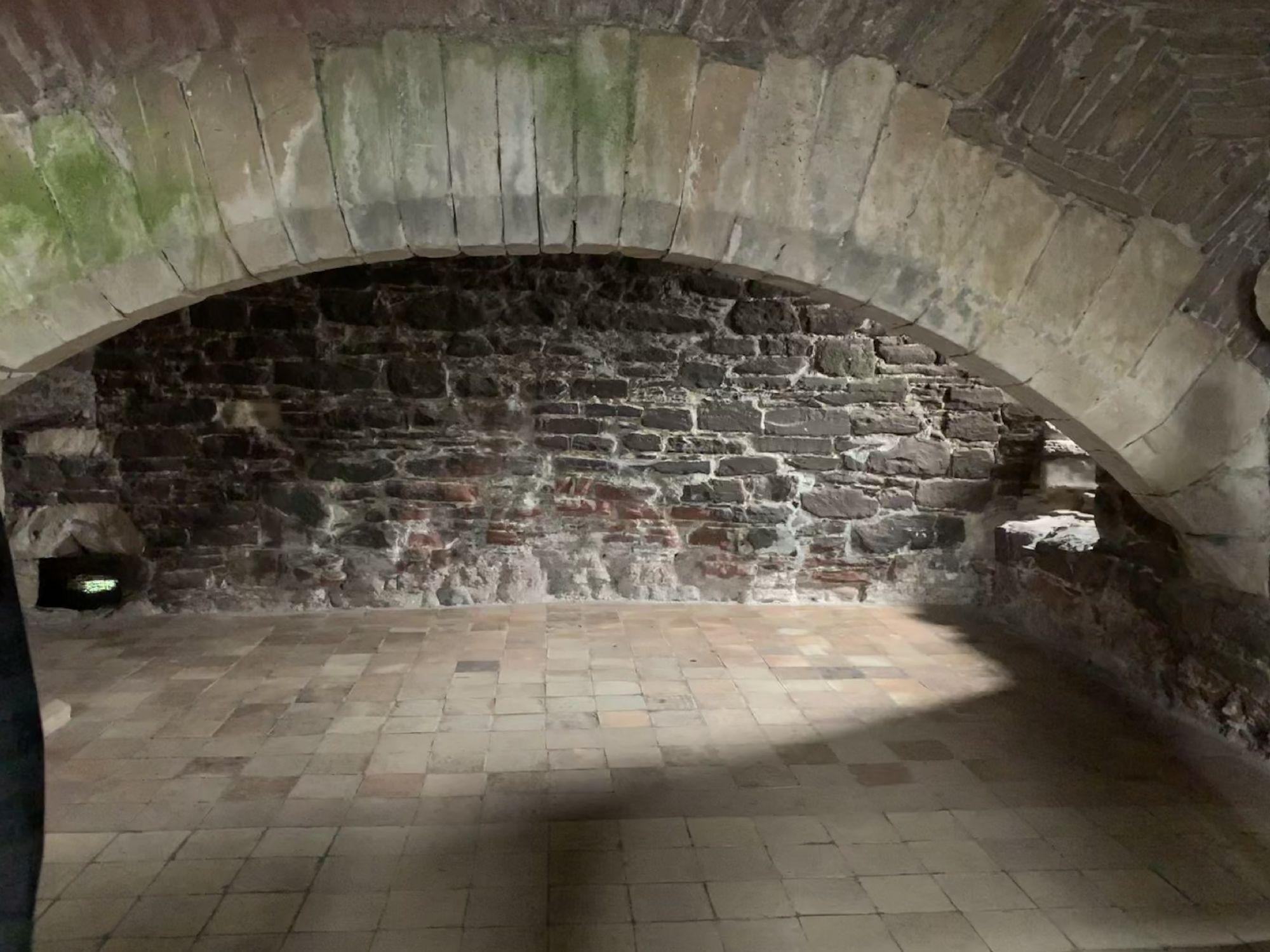 The fireplace Castle Leoch